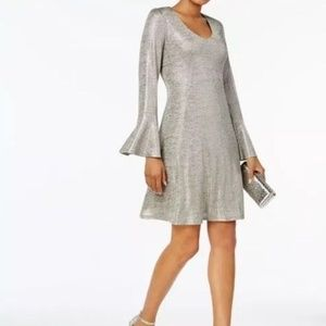 connected apparel Dresses - Connected Womens Bell sleeves Metallic Shift Dress